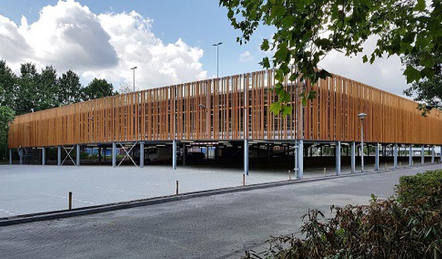 Nieuwe parkeergarage Fontys Rachelsmolen Eindhoven 1 @ klein.jpg