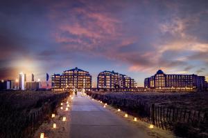 Hotels van Oranje/Hotels van Oranje bij nacht.jpg